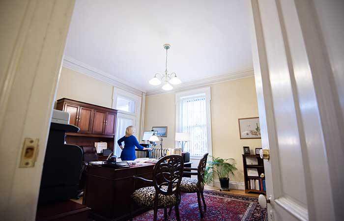 jeanne-office